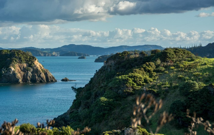 2016 04 05 Sail Day 7 Waewaetorea Island Hike-104