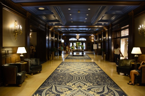 quebec-city-hotel-inside-hallway