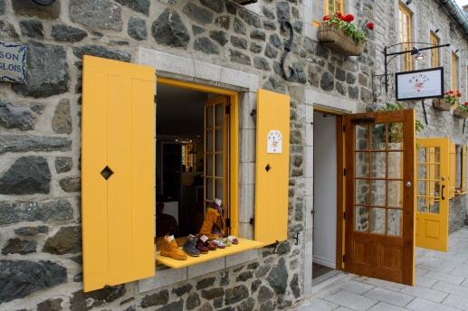 quebec-city-open-door-shop