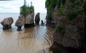 Bay of Fundy Rocks and house (4 of 22)