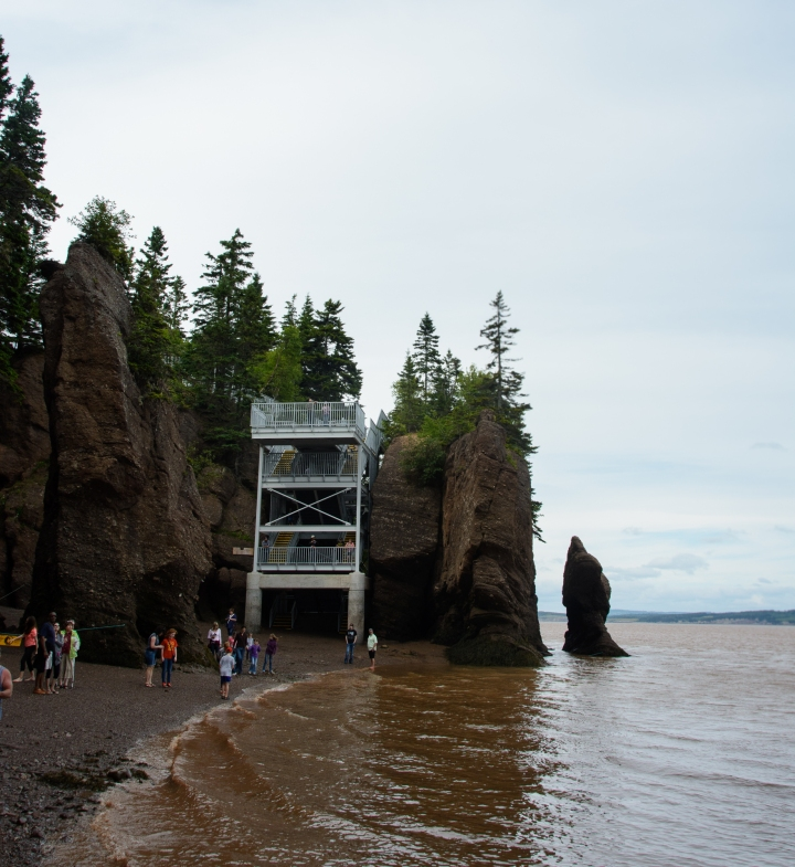 Bay of Fundy Rocks and house (5 of 22)